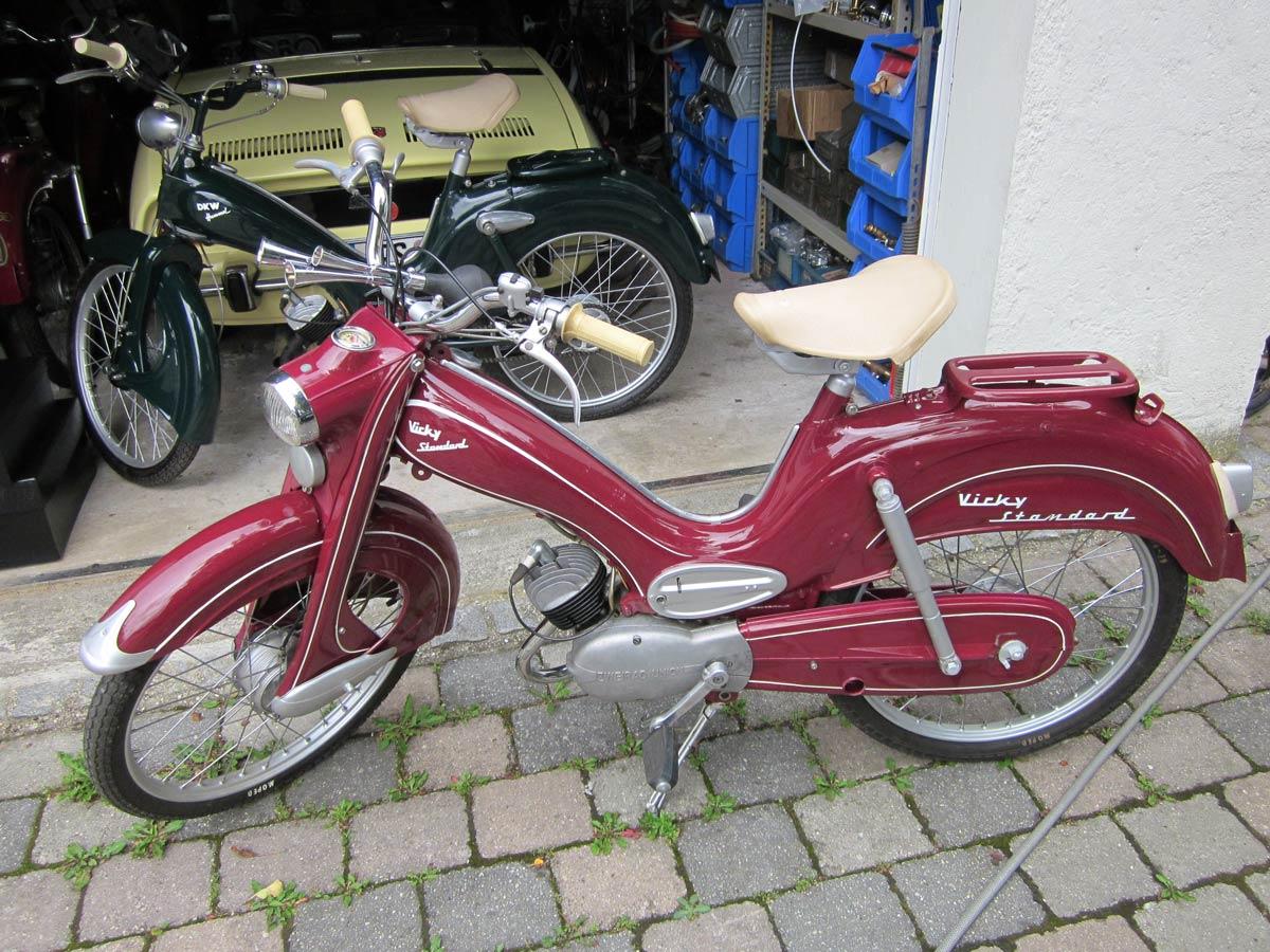 Victoria Standard Typ 113